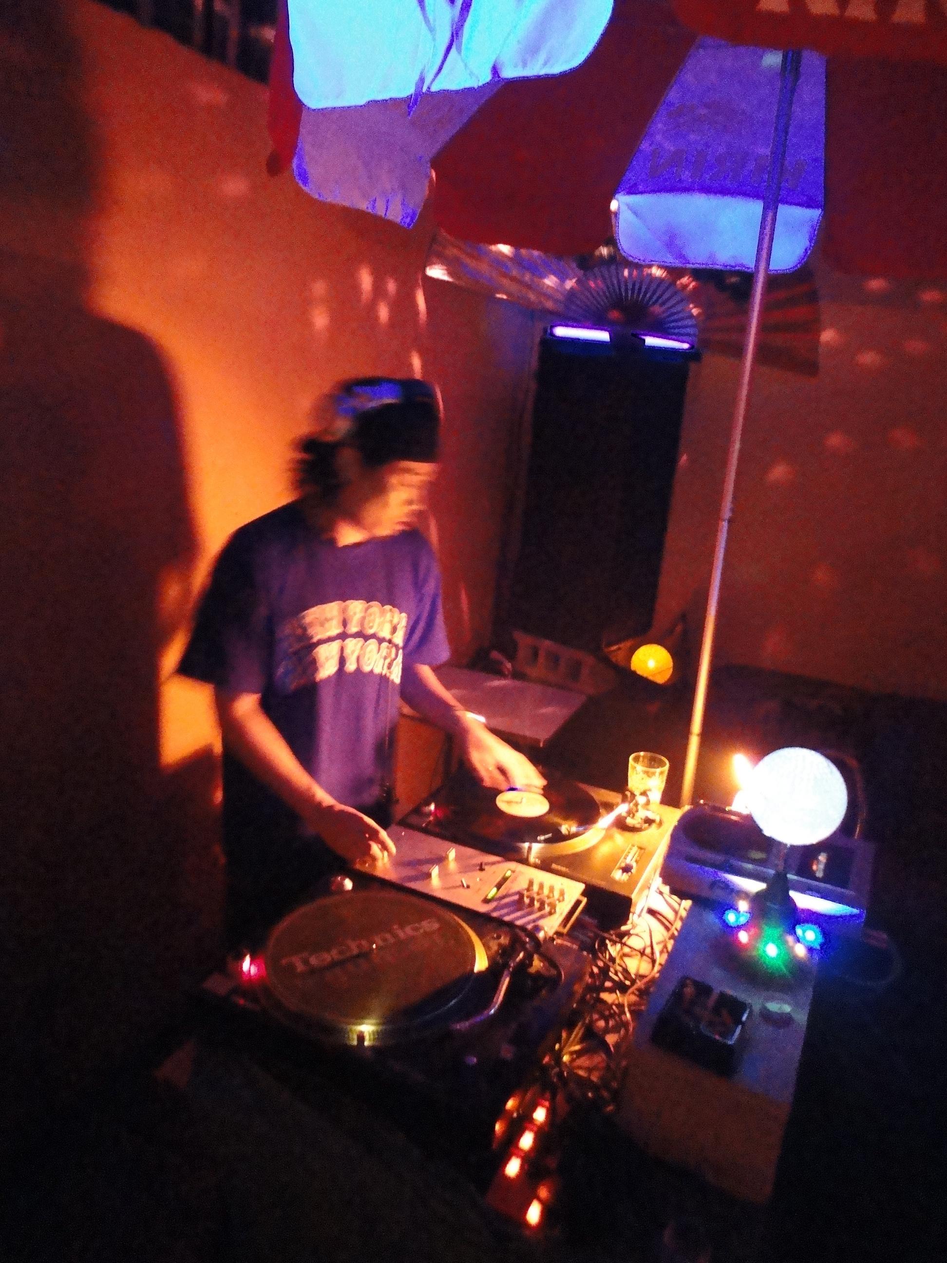 Dj kensaw groovenut records blog 2 for Living room channel 7
