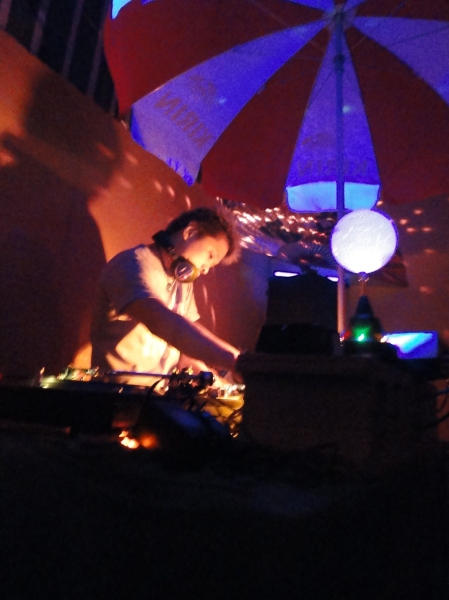 djkinui_livingroom_soundchannel