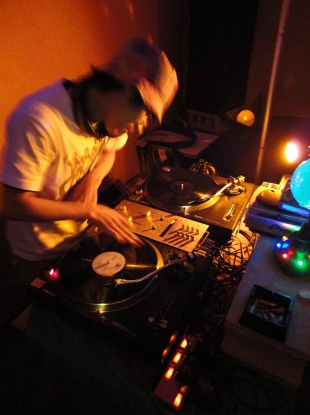 djmash_livingroom_soundchannel
